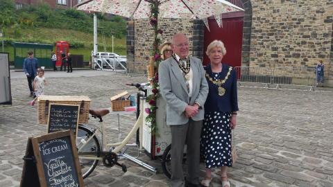 Vintage Fair raises money for Mayor's charity