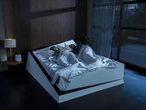 Autóipari technológia és futószalag: az okoságy mindenkinek kellő személyes teret biztosít, ha aludni akarunk