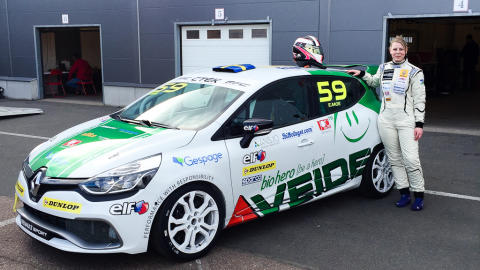 Full fart med VEIDEC och Emelie Moe i Clio Cup