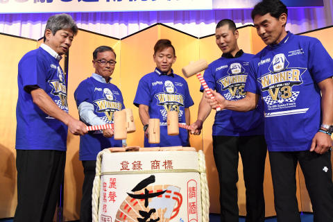 03_2017_YAMAHA FACTORY RACING TEAM 鈴鹿8耐3連覇祝賀会