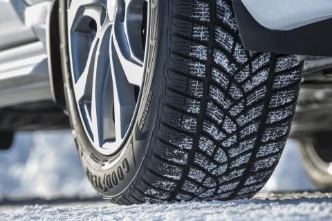 UltraGrip Ice SUV -renkaan kehittämisen myötä Goodyear tarjoaa katumaastureille suorituskykyä jäällä äärimmäisissä talviolosuhteissa