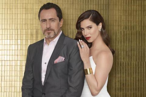 Santiago (Demian Bichir) og hans kone Gigi (Roselyn Sanchez)
