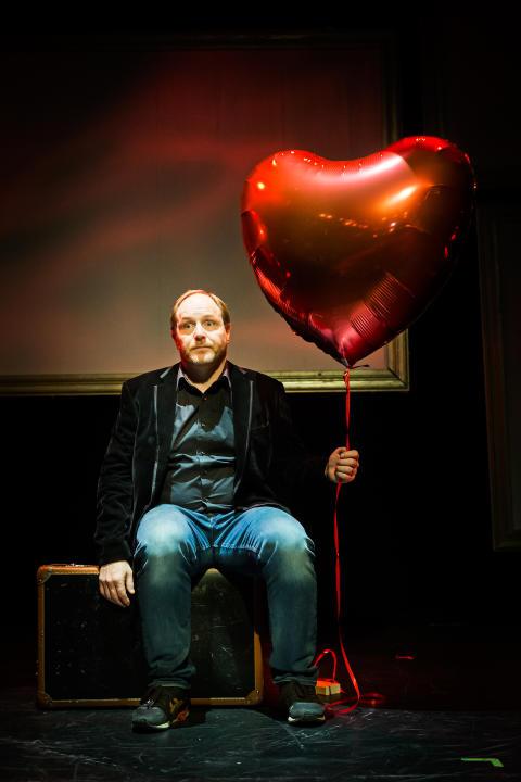 ur Morgan Alling Show En Föreställning Om Kärlek