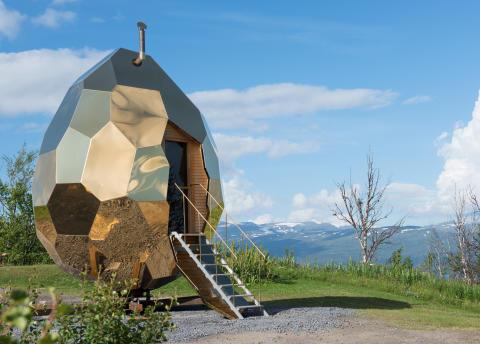Riksbyggens Solar Egg (Solägget) på tillfälligt besök i Björkliden