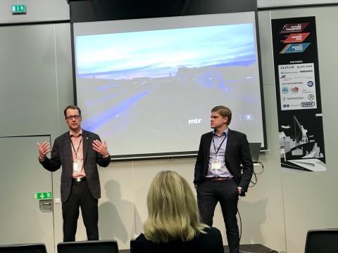 Pär Helgesson diskuterade höghastighetsjärnväg tillsammans med bland andra Mats Johannesson, som är nytillträdd vd på MTR Express.