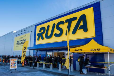 Rusta rivstartar 2018 i Norge - öppnar tre varuhus på en vecka