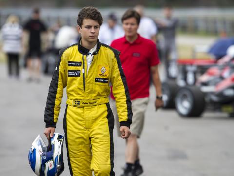 Sundahl slog till med första segern i Formel Renault 1,6