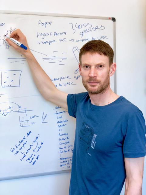 Växtgenetiker får teknisk-naturvetenskapliga fakultetens pedagogiska pris