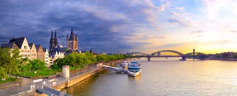 Kombiner Kölnbesøk og Rheinlands beste golfbaner.