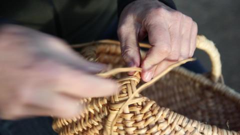 Att synliggöra det osynliga. Hur kan vi bevara det immateriella kulturarvet inom slöjd och hantverk? Konferens den 13-14 mars på Sörmlands museum.