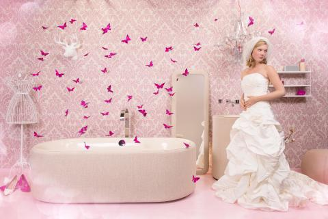Trend 01: Fashion Bathroom - The bathroom is becoming more fashionable and colourful