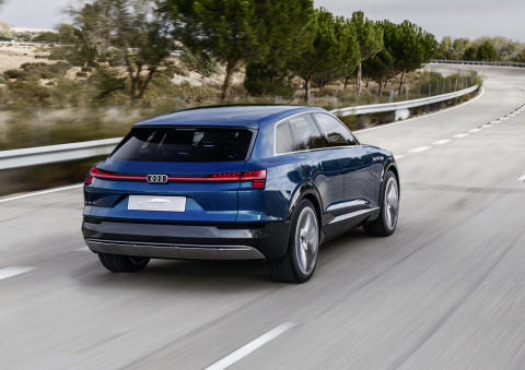 Audi e-tron quattro concept - dynamic rear right