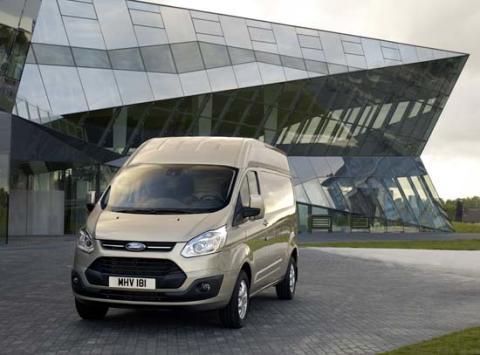 Nå lanseres Ford Transit Custom med høyt tak