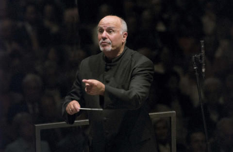 Dirigentgigant gästar Kungliga Filharmonikerna