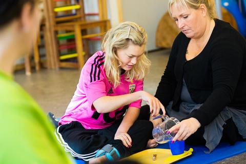 Ska man acceptera att barn som har en CP-skada inte får lära och utvecklas i skolan?!