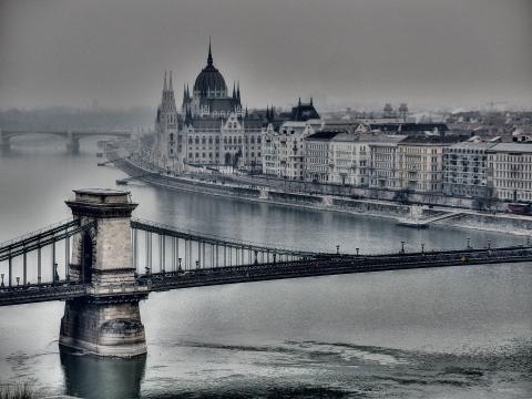 Adagio: Cities on the Danube -  Budapest in Winter