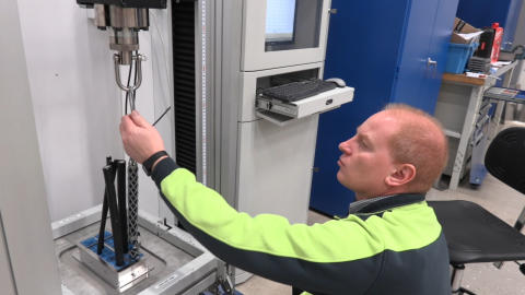 Testing at Roxtec - Cable retention in enclosures.00_00_55_03.Still002
