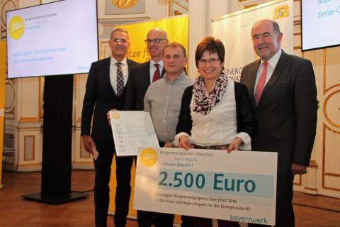 "Projekt: ""Solar-Carport mit E-Ladestation"", Martin Selch aus Herrnried:"
