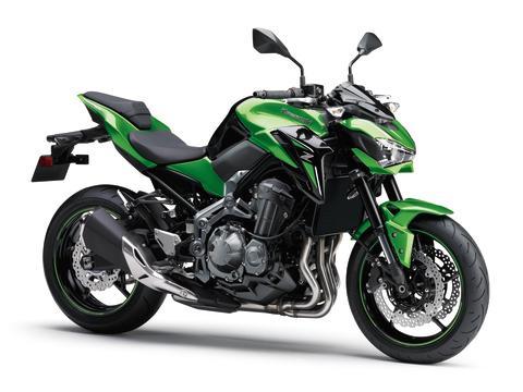 Sumeko Oy: Kawasaki moottoripyörä- ja vesijettiuutuudet MP17 -messuilla