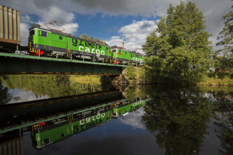 Green Cargo spegling bro