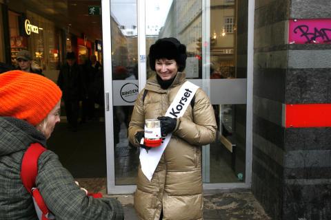 Lisa Laster samlar in pengar till Haiti