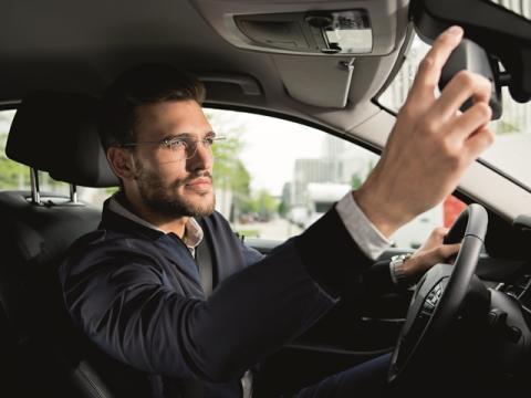 Se bättre – Kör säkrare. Rodenstock bilglasögon.