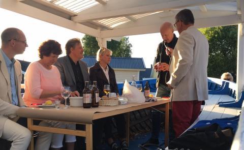 Kallax Surströmming och Abisko tunnbröd - ett perfekt par på premiärkvällen