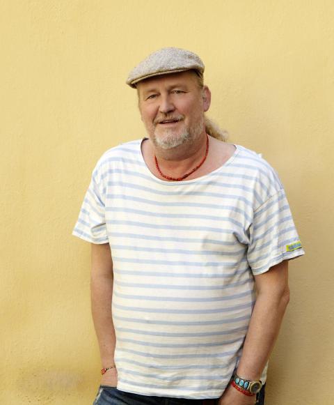 Plura – Ny artist hos Blixten & Co