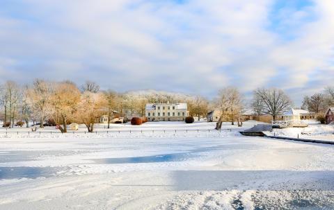 Herrgården i vinterskrud
