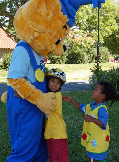 Almedalen 3 juli: Bamses kullerbytta-skola för barn och politiker