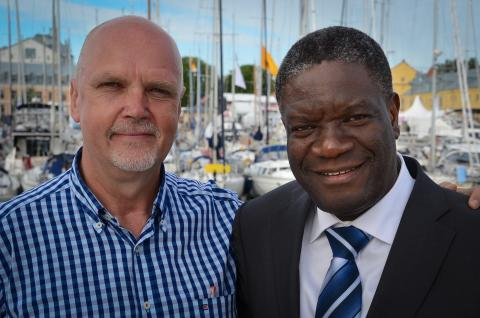 Författarbesök i Skellefteå: Vad ska hända med dr Mukwege?