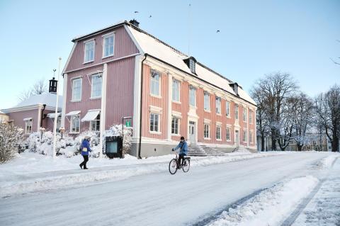 rådhuset_cyklist_vinter