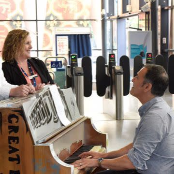 Southeastern brings music to Rochester station with people's piano