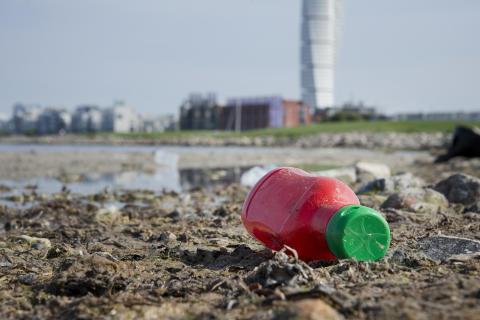 Stäng världens sämsta soptippar och rädda haven