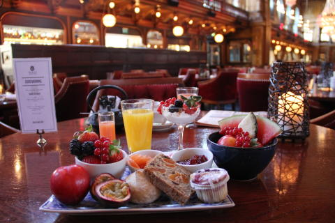 Breakfast at Berns