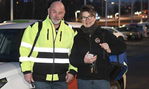 Per Sonesson och Ann-Charlotte Kristoffersson redo att ge sig ut på ett nytt arbetspass.