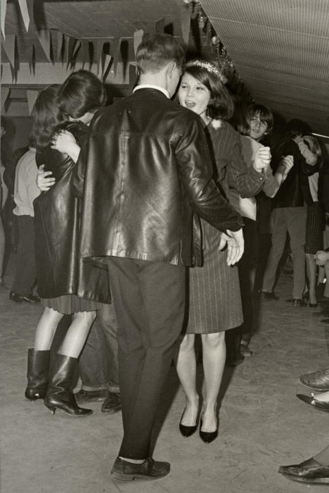 Ungdomar på luciadans 1965, Foto Karl Heinz Hernried, Nordiska museet