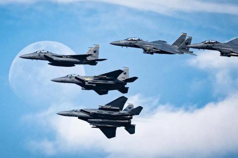 MARINA SQUARE, JCUBE & REPUBLIC OF SINGAPORE AIR FORCE HAND PR DUTIES TO  ASIA PR WERKZ