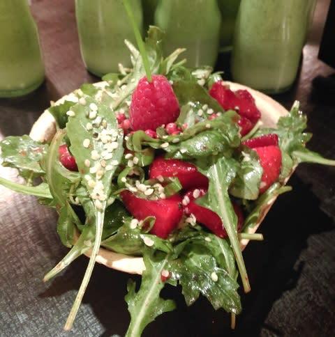Erdbeeren-mit-Ruccola