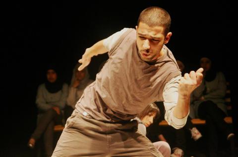 Al Harah-teatern från Palestina gästspelar i Västerås