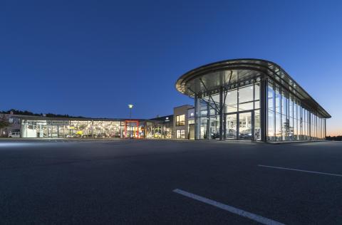 Mikla Eiendom (tidligere Bavaria Eiendom) har solgt bileiendommene i Kristiansand og Arendal til Castelar