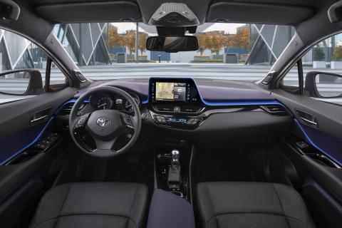 Nya crossover-modellen Toyota C-HR