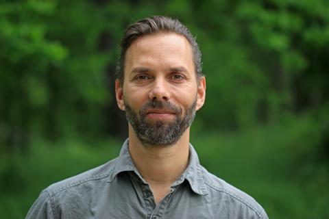Björn Möller, forskare på enheten Mekatronik som tillhör Maskinkonstruktion på KTH. Foto: Peter Larsson.