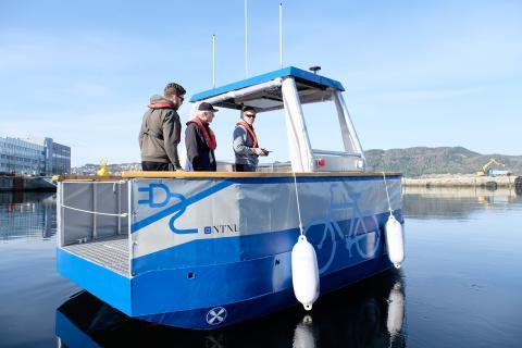 NTNUs båt kjører førerløst på Telias 5G-nett
