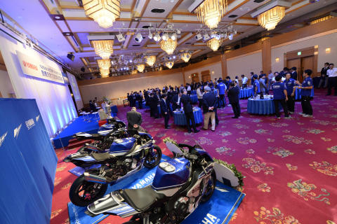22_2017_YAMAHA FACTORY RACING TEAM 鈴鹿8耐3連覇祝賀会