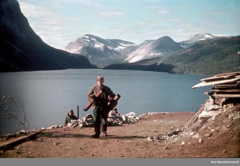 Rundt 17000 tvangsarbeidere omkom i Norge under 2. verdenskrig. Her er fra Sildhopvann, i forbindelse med byggingen av Nordlandsbanen.