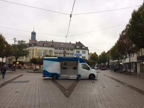 Beratungsmobil der Unabhängigen Patientenberatung kommt am 11. Juli nach Darmstadt.