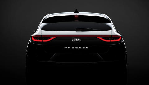 kia_pressrelease_2018_PRESS_1400x800_CD_5SB_EXT_TEASER-REAR