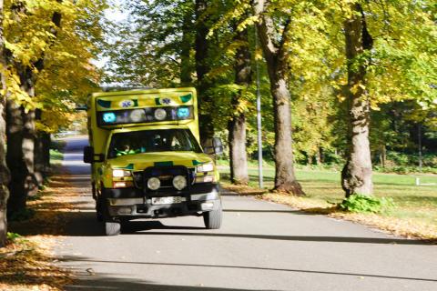 Larmoperatörer ska få effektivare beslutsstöd för ambulansutlarmning