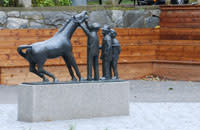 """Nyrenoverade """"Hästskojarparken"""""""
